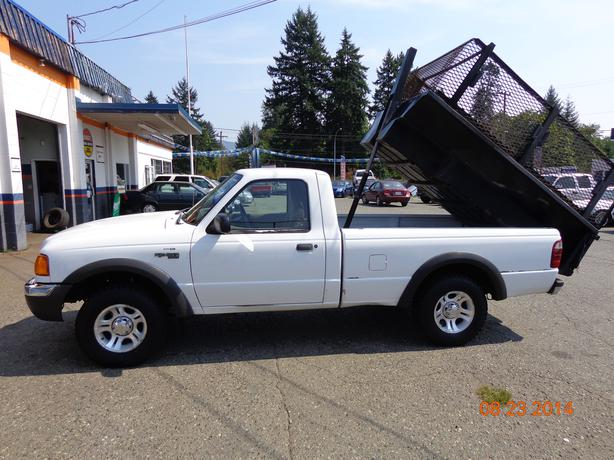 2001 ford ranger xlt 4x4 with hydraulic dump box outside. Black Bedroom Furniture Sets. Home Design Ideas
