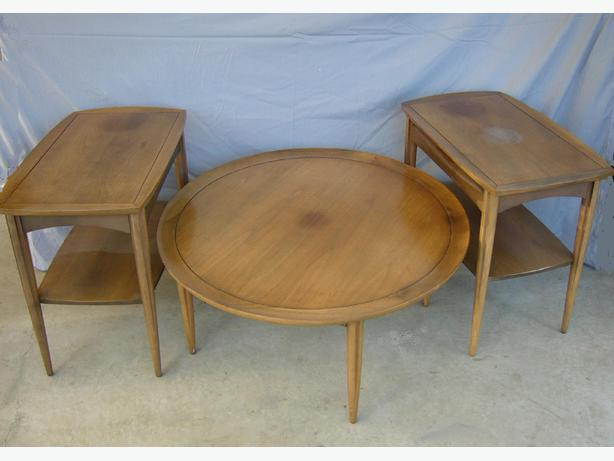 Mid century modern credenza and round coffee table and matching end tables south nanaimo nanaimo Matching coffee table and end tables