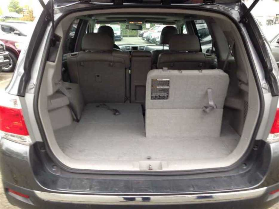 2011 toyota highlander victoria city victoria mobile. Black Bedroom Furniture Sets. Home Design Ideas