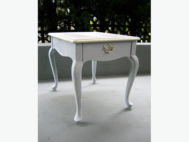 Vintage antique french provincial side coffee table living - Antique side tables for living room ...