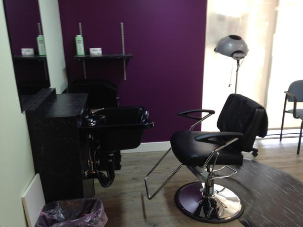 Salon equipment for sale langford west shore langford for Used salon stations for sale