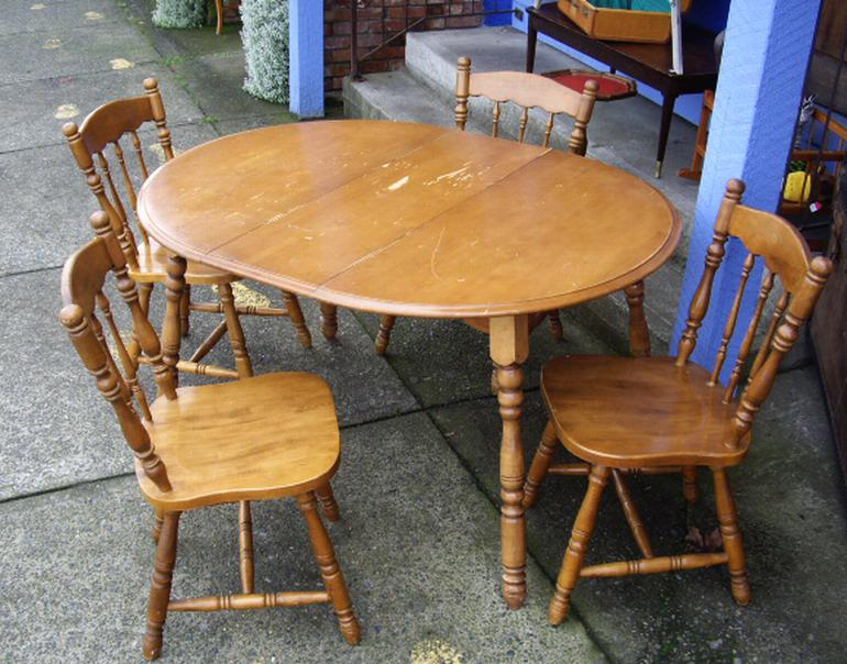 retro country kitchen cabin style round wood dining table 4 chairs