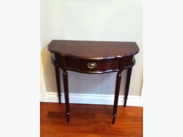 bombay foyer tables pictures to pin on pinterest pinsdaddy. Black Bedroom Furniture Sets. Home Design Ideas