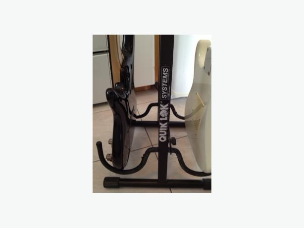 guitar stand saanich victoria. Black Bedroom Furniture Sets. Home Design Ideas