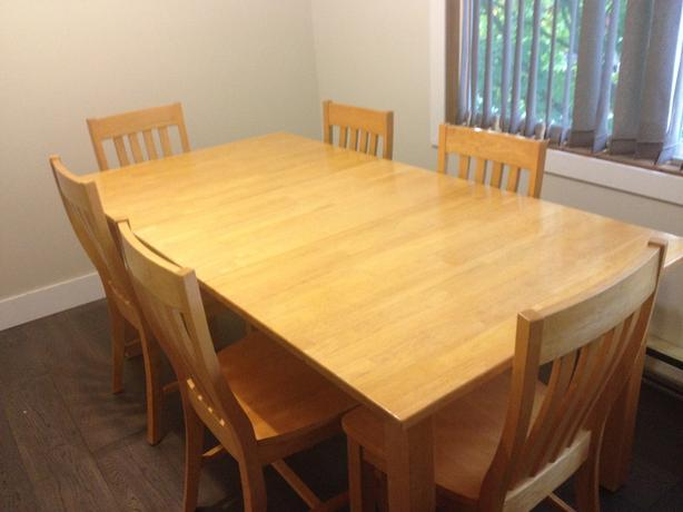 Modern oak dining room table with 6 chairs and leaf for Dining table without chairs