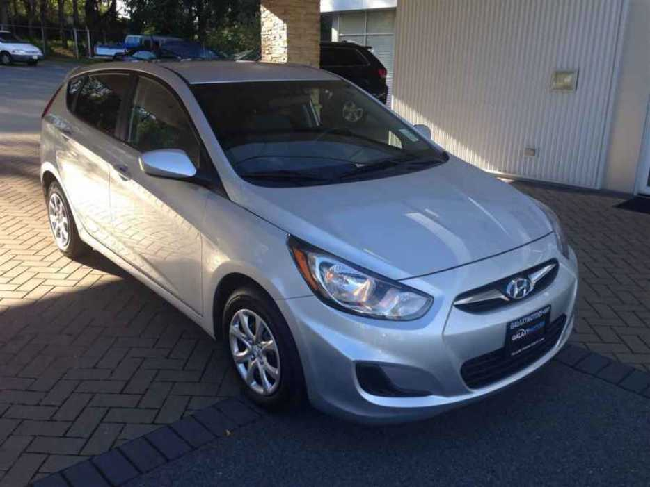 2013 hyundai accent outside victoria victoria mobile. Black Bedroom Furniture Sets. Home Design Ideas
