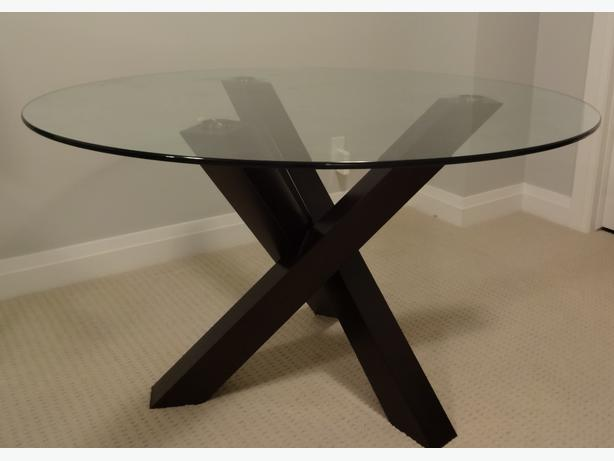 52 round glass with espresso wood dining table central for Round table 52 nordenham