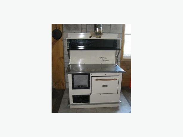 Pioneer Princess Wood Cook Stove Range New Starts @ 2,870.00