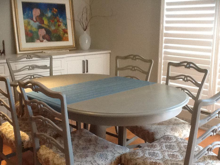 Dining Room Set Painted With Annie Sloan Chalk Paint