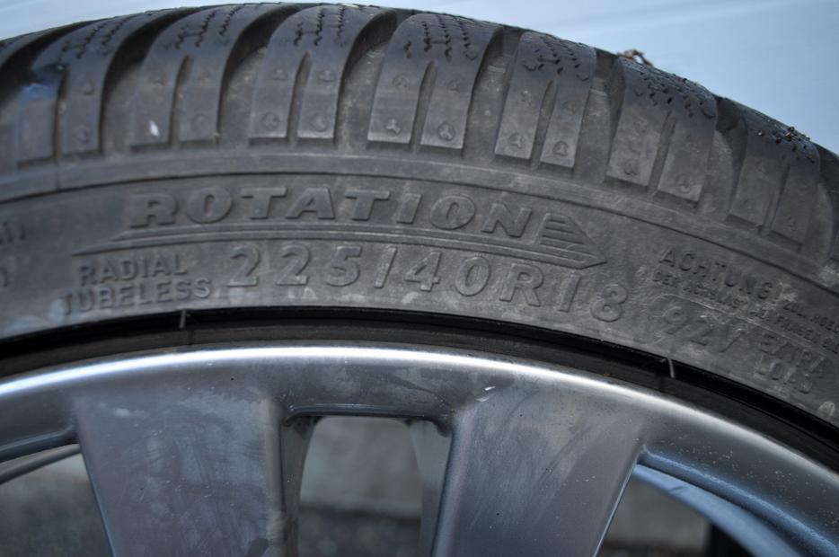 winter tires 225 40r18 dunlop sp winter sport 4d central saanich victoria. Black Bedroom Furniture Sets. Home Design Ideas