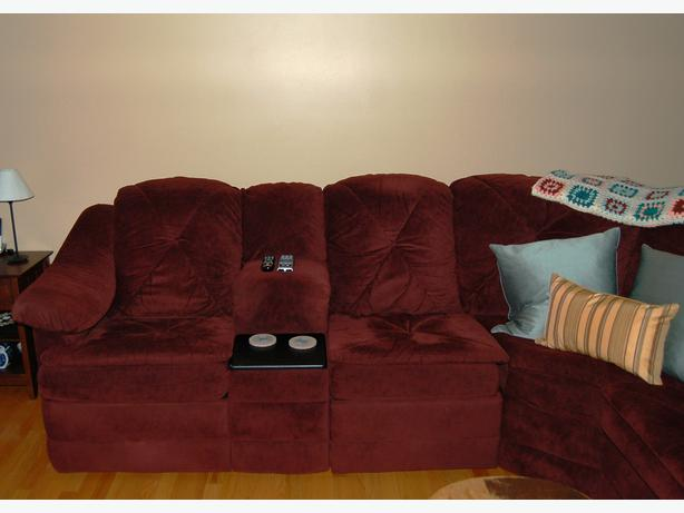 Reclining sectional with sofa bed buckingham sector for Sofa bed quebec