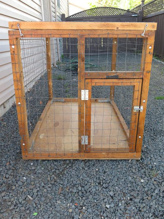 Comox Valley Dog Kennel For Sale