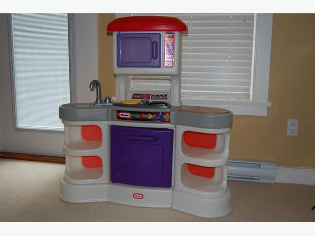 Little Tikes Cooking Sounds Gourmet Play Kitchen With Utensils More Saanich Victoria