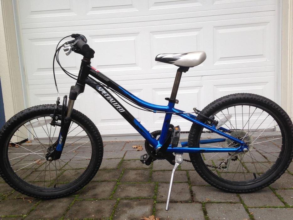 Specialized Boys Mountain Bike 20 Wheels Victoria City Vic