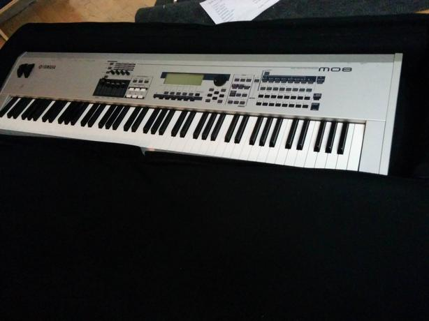 Yamaha m08 pro keyboard synth 88 key fully weighted outside victoria victoria for Yamaha fully weighted keyboard