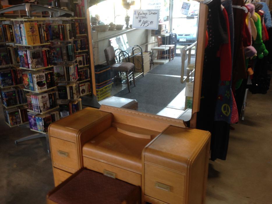 Was 145 Vintage Dresser With Mirror For Sale At St Vincent De Paul On Quadra Saanich Victoria