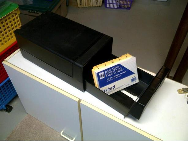 Rubbermaid Index Card Holder