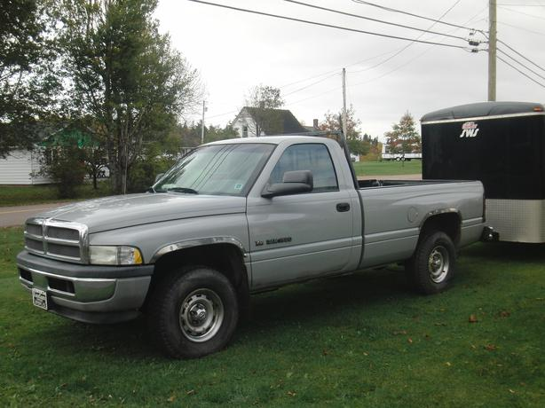 2001 dodge ram 1500 4x4 kings county pei. Black Bedroom Furniture Sets. Home Design Ideas