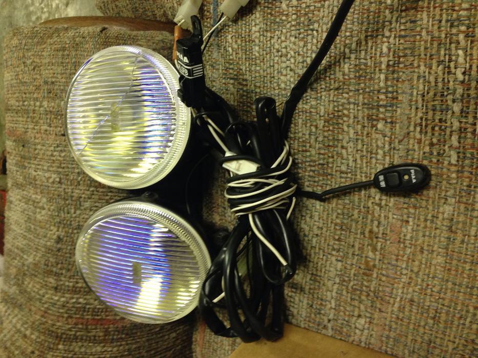 pair of piaa fog lights w wiring harness outside nanaimo nanaimo