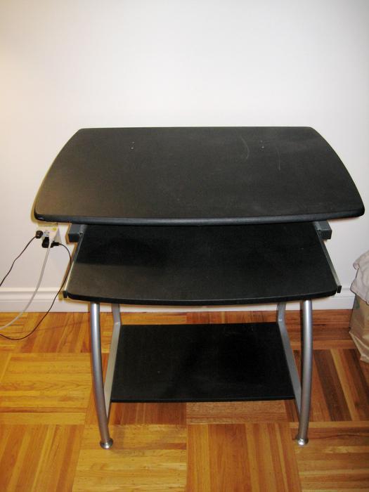 black computer desk for sale victoria city victoria. Black Bedroom Furniture Sets. Home Design Ideas