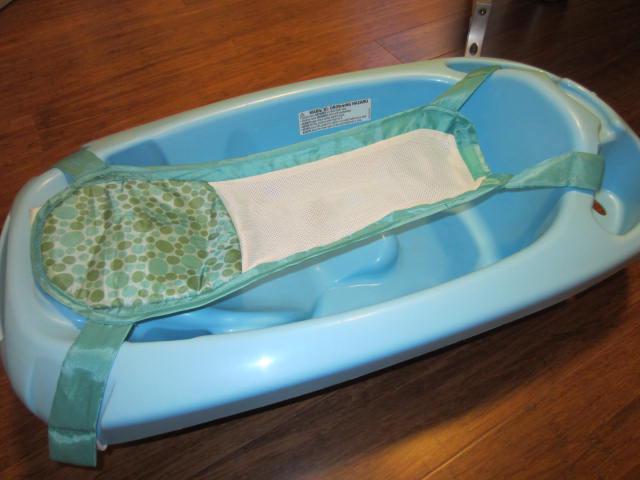 bath tub for infant and toddler special hammock for infant esquimalt view royal victoria. Black Bedroom Furniture Sets. Home Design Ideas