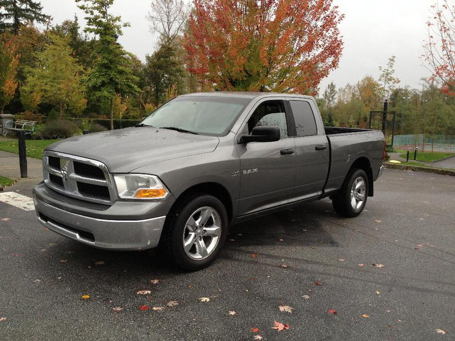 2010 dodge ram 1500 slt quad cab hemi 4x4 loaded outside victoria victoria mobile. Black Bedroom Furniture Sets. Home Design Ideas