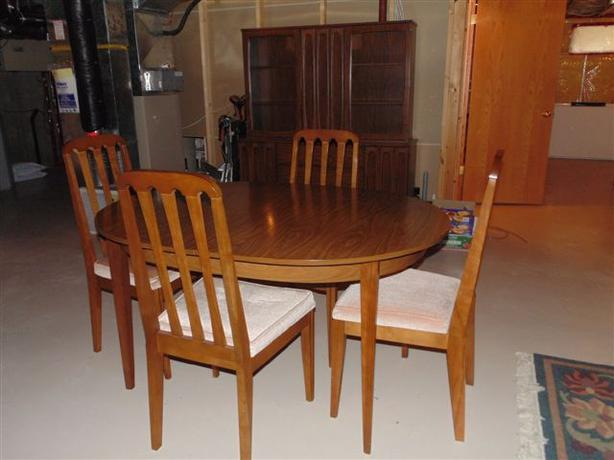 Dining Room Table Chairs Buffet And Hutch East Regina Regina