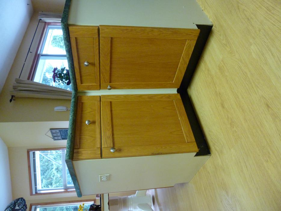 Kitchen oak cabinets qualicum nanaimo for Kitchen cabinets nanaimo