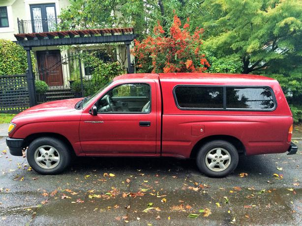 1995 toyota tacoma for sale great small truck price reduced victoria city victoria. Black Bedroom Furniture Sets. Home Design Ideas