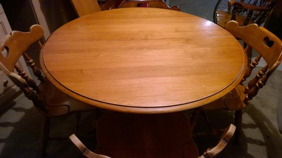 Dining table 2 leaves 6 chairs Oak Bay Victoria : 42329617934 from www.usedvictoria.com size 934 x 525 jpeg 51kB