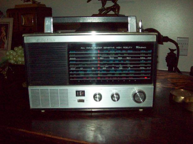 Vintage Shortwave Radios 22