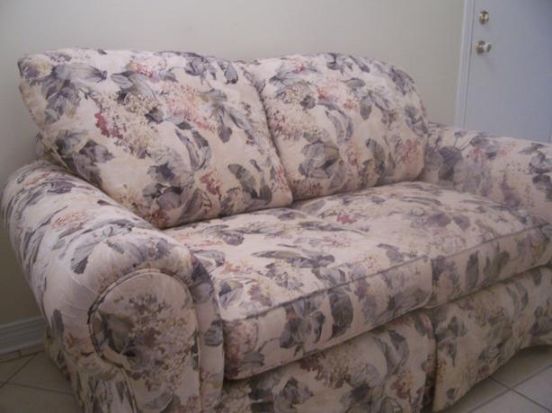 Elegant Shabby Chic Large Floral Sofa For Sale I Deliver