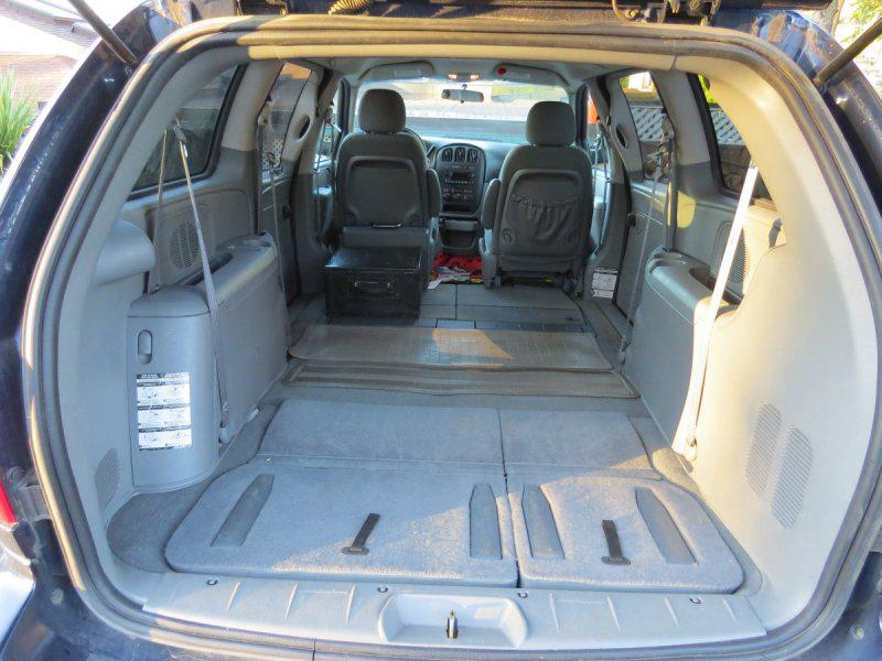 2005 dodge grand caravan w stow n 39 go seating for 5 saanich victoria mobile. Black Bedroom Furniture Sets. Home Design Ideas