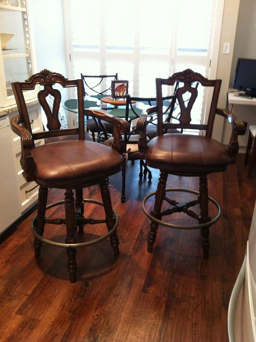 Ashley Furniture Swivel Bar Stools Esquimalt Amp View Royal