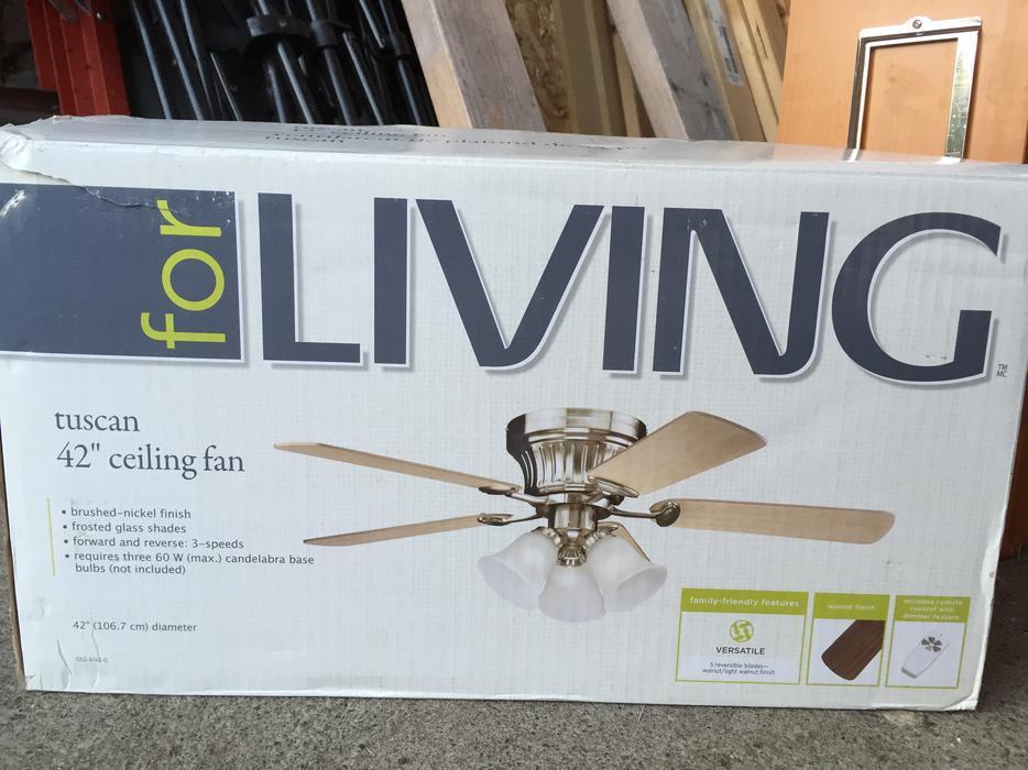 FREE 42 Inch 3 Bulb Ceiling Fan Esquimalt Amp View Royal