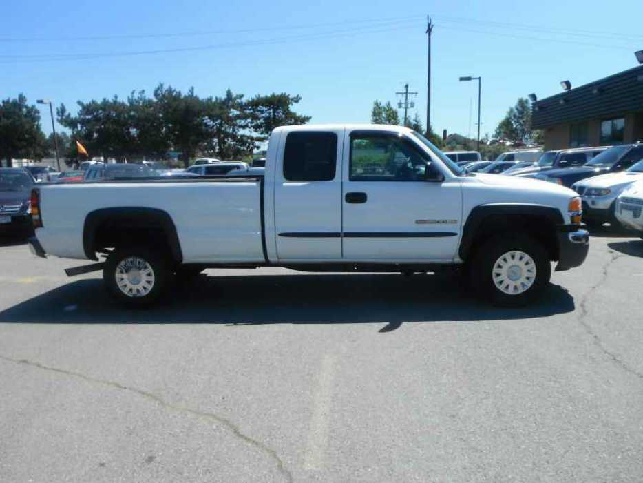 2005 gmc sierra 2500hd ext cab long bed 2wd outside comox valley courtenay comox. Black Bedroom Furniture Sets. Home Design Ideas