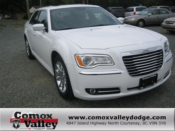 2013 Chrysler 300 Touring White Outside Victoria Victoria