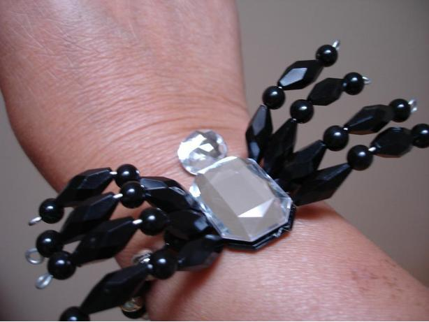 BrandNew Cute Spider Bracelet - Free Size- Great with Any Halloween Costume