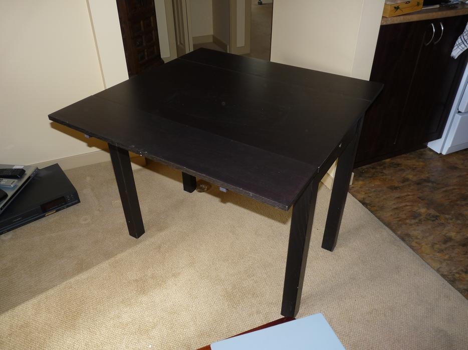 Small expandable kitchen table surrey incl white rock vancouver - Kitchen table expandable ...
