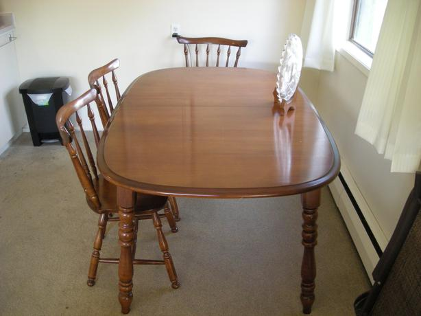 solid maple dining room table and 6 chairs victoria city victoria