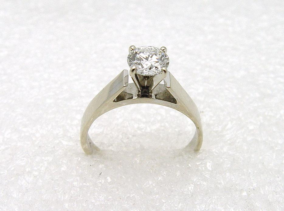 14k white gold 0 72ct canadian solitaire
