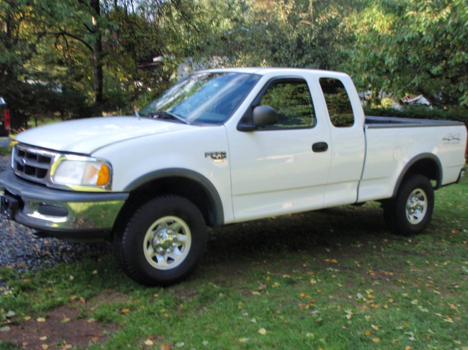 1998 Ford F250 Xl 4x4 Ext Cab 214000 Km 5500 Outside