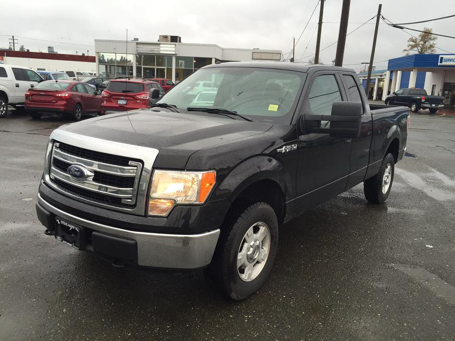 2013 ford f 150 supercab xlt 6 5 39 box we finance everybody campbell river comox valley. Black Bedroom Furniture Sets. Home Design Ideas