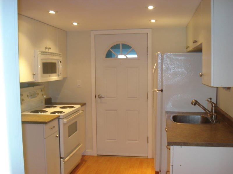 1 Bedroom Basement Suite Esquimalt View Royal Victoria Mobile