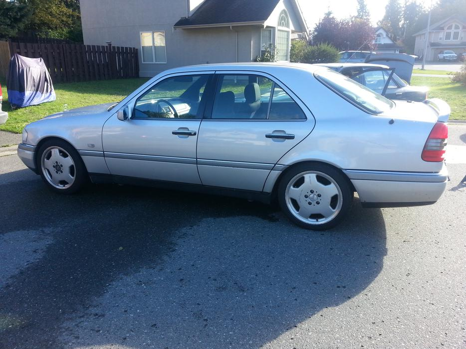Fully loaded mercedes benz c280 with 49 000kms malahat for Mercedes benz bay ridge