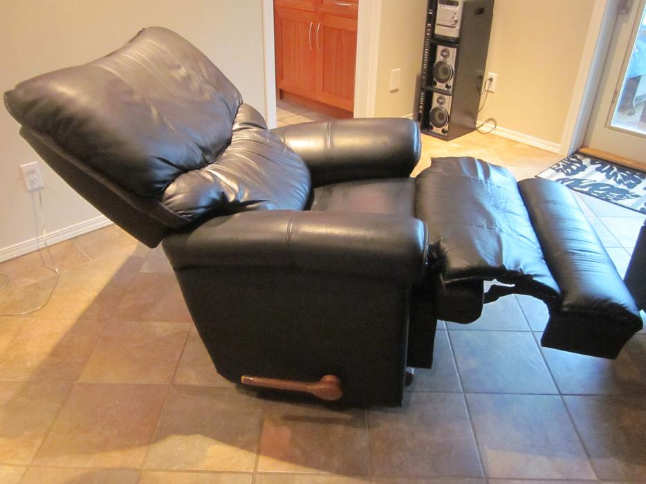 Black Leather La Z Boy Rocking Recliner Chair Saanich