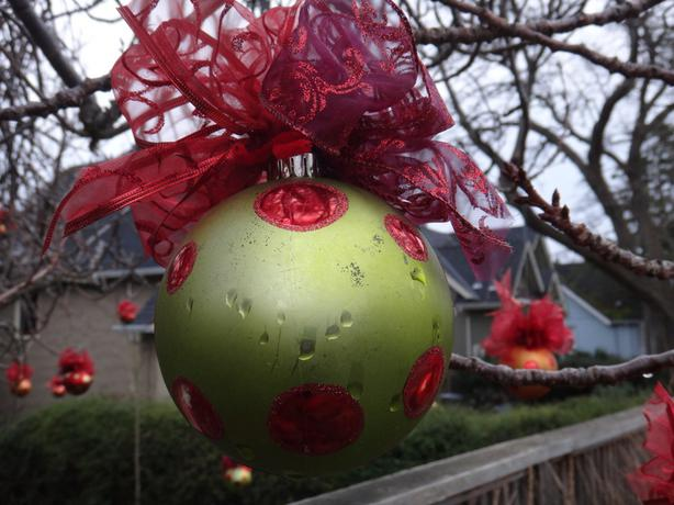 32 large outdoor christmas ball with bows saanich victoria for Outdoor christmas balls