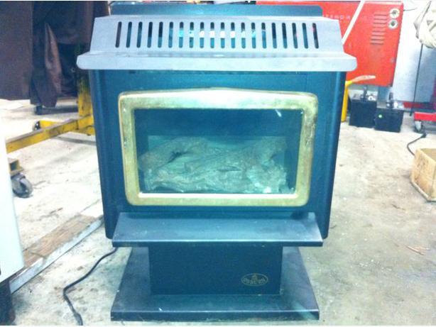 osburn free standing natural gas fireplace Sooke, Victoria