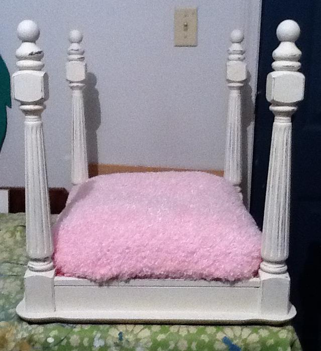4 poster pet bed saanich victoria for Four poster dog bed for sale