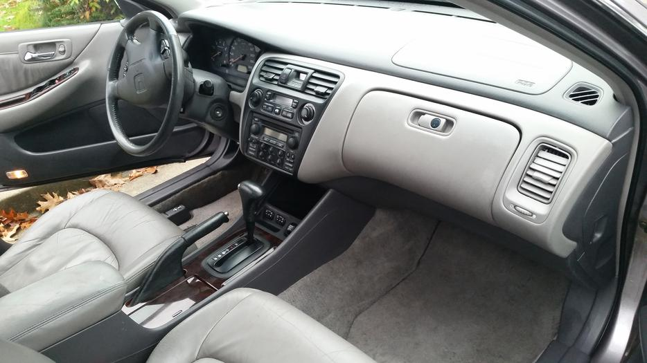 142 000km s only new price   leather with sun roof   honda accord saanich victoria